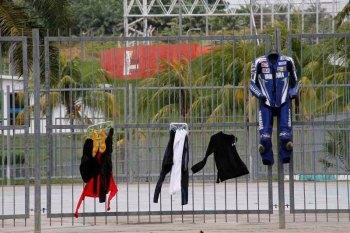 jemuran rider moto gp sepang untuk souvenir hunter