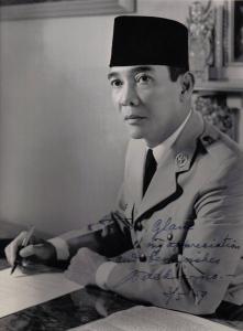 soekarno menulis