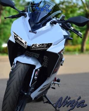 Ninja 250 2015 ilustrasi parkiran peysblog